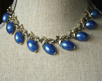 1950's Blue thermoset necklace.