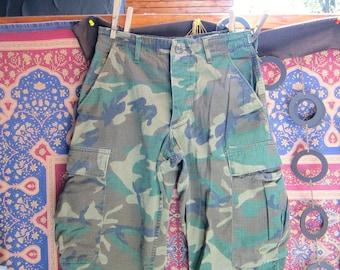 1960s VIETNAM ERA Vintage Camouflage Pants--1960s Vietnam Era United States Army Fatigues