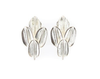Vintage Leaf Earrings, Matte Silver Tone, Clip Ons