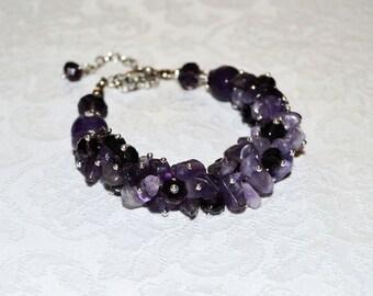 Amethyst bracelet for women. Purple gemstone bracelet.