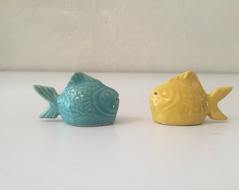 "Bauer Pottery ""Chicken of the Sea"" Salt and Pepper Shakers"