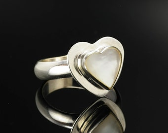 Shell Heart Sterling Silver Ring Size 5.25 Vintage White