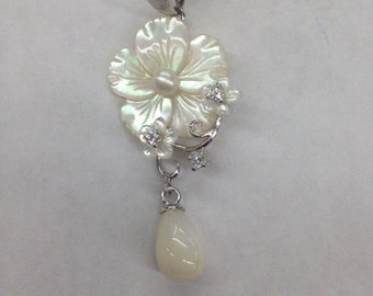 Sterling Silver Mother Pearl Pendant