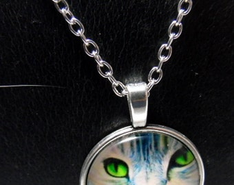 """Artisan made glass cabachon necklace Tabby cat with green eyes  with 20"""" chain"""