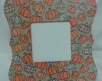 Pumpkins Fall or Halloween picture frame Fall/ Halloween decor Table top and wall hanging Scalloped square frame Orange & white pumpkins