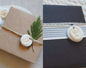 Tags monogram. Initial tags. golden tags. Wedding tags and personalized. Wedding favor. Wedding Deco favors. Shabby chic