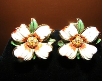 Beautiful Vintage Floral Clip on earrings by CORO
