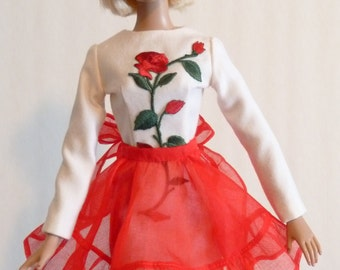 Holiday Hostess Apron for fashion dolls.