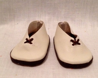 """18"""" doll shoes: Cream shoes with brown laces"""