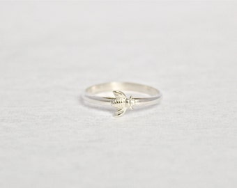 Sterling Silver Bumble Bee Ring.  Simple Bee Ring.  Bumble Bee Jewelry.