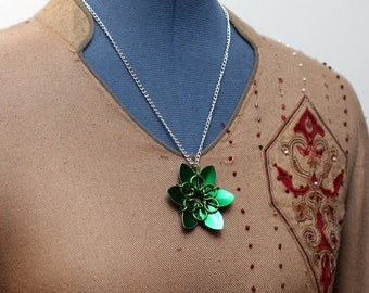 Green Scalemaille Flower Necklace