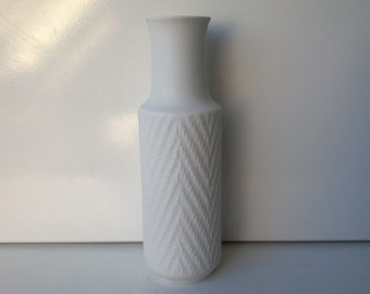 CM Hutschenreuther Hohenberg 1814, Op Art Vase, 'CM Exclusiv' Bisque Porcelain Vase, Nr 11/23, West German Pottery, 1960s