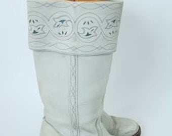 Vintage, White Frye Campus Boot, Size 7.5, Stacked wood heel, Leather with inlay