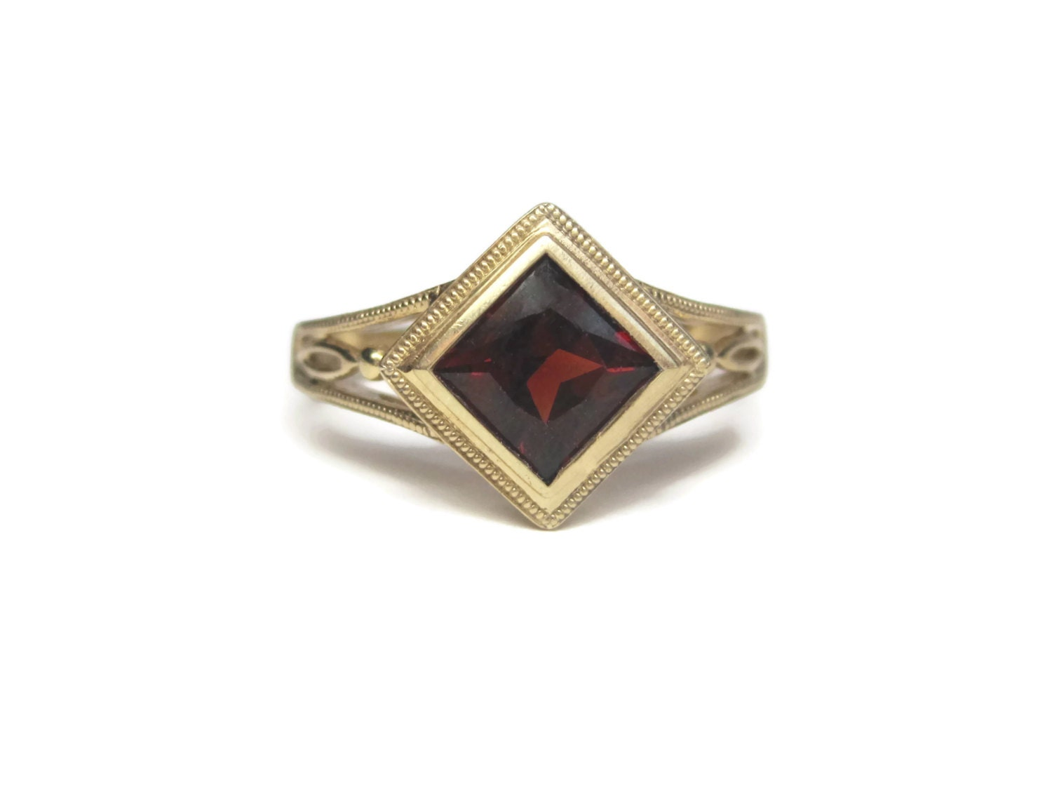 vintage 10k princess cut garnet ring size 7