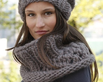 Winter set, wool set, wool hat and cowl,  cozy hat, slouchy beanie hat, neck warmer, hand made, knitted set.