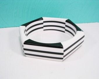 Vintage Chunky Black and White Striped Bracelet, Plastic Hexagon Shaped Bracelet, Wide Bangle Bracelet