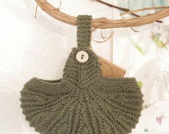 Little hat in merino wool