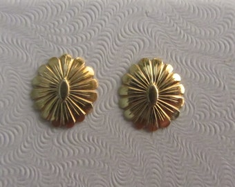 14k Oval Flower Shape Post Stud Earrings 1.04g