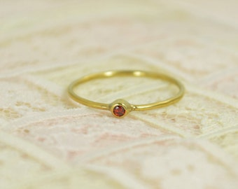 Tiny Garnet Ring Set, Solid 14k Gold Wedding Set, Garnet Stacking Ring, Solid Gold Garnet Ring, Garnet engagement Ring, January Birthstone