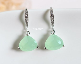 Mint green glass earrings in silver, Mint earrings, Pastel green, Bridesmaid jewelry, Everyday earrings, Wedding earrings