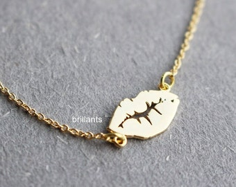 Sexy Lips necklace, Kiss necklace, XOXO Necklace, Valentines day, Love necklace, Bridesmaid jewelry, Wedding necklace