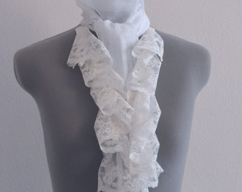 Lace collar and cravat