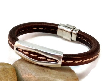 Leather bracelet mens licorice bracelet bangle bracelet brown stitched bracelet mens bracelet magnetic clasp European leather LLB-60-02