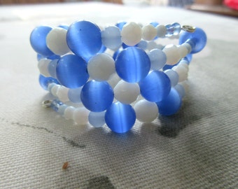 Blue and White beaded memory wire bracelet, wrap bracelet
