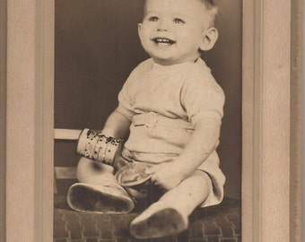 Smiling Baby, Vintage Photograph, Cabinet Card Photo, Black and White Photograph, Ray's Studio, Pipestone, Minnesota, Happy Cut Baby
