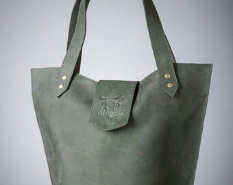 Medium size tote bag from genuine mat leather