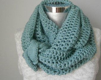Scarf, infinity scarf, Winter Scarf, Cowl, Knit Scarf,  women scarf, circle scarf, chunky scarf Many Colors FAST DELIVERY