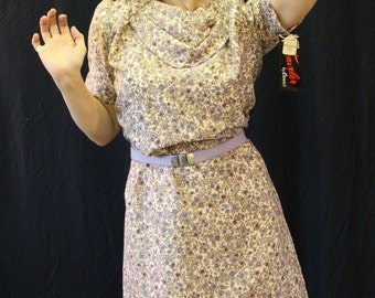 Vintage 1980's The Traveler by Connie Lightweight Floral Knee-Length size 10 Silky Polyester Dress with Matching Belt. NOS, tags still on!