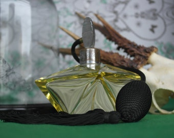 Rare Genuine Large Art Deco 1930's 8 sided Uranium Yellow Perfume Scent Bottle of high quality