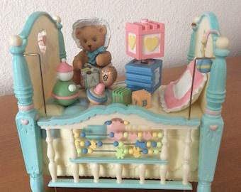 Enesco Music Box Crib Brahms Lullaby - 1997 Pricilla Hillman