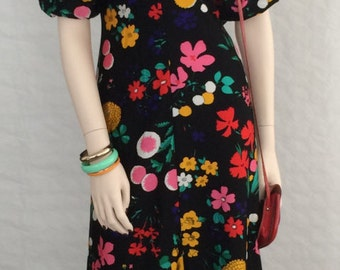 Maxi dress / evening dress / puff sleeves / vintage / 1970s / flowers / black / color / size: S - M