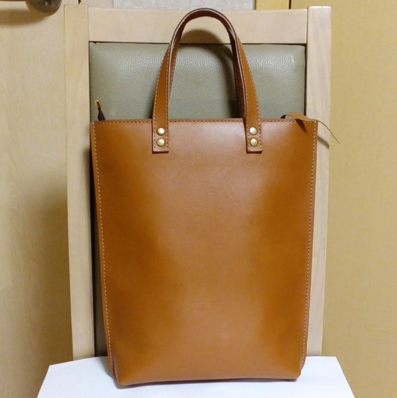 genuine leather simple daily bag shopper bag 15inch laptop bag tan color