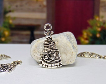 Pack of 4 - Antique Silver - Christmas Tree- Christmas Charm - Christmas Jewelry - Christmas - Christmas Tree Charm - Holiday Charms - C0048