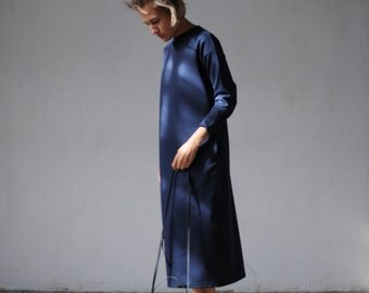 Dark blue dress of thick knitted fabric with pockets gabrielle_27