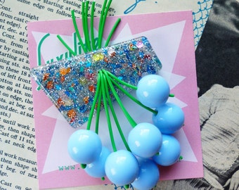 Luxulite classic brooch - Pastel light blue flecked sparkling 40s 50s confetti lucite style novelty pastel blue cherry brooch