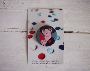 Brooch Amélie and the dwarf, illustrated button pin