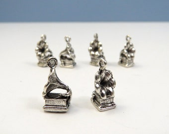 6 GRAMOPHONE Charms in Antique Silver - US Seller - 3D, Double Sided - Old Time Record Player, Victrola