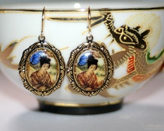 Vintage Geisha portrait cameo glass Victorian set brass dangle artisan earrings