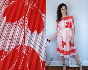 1980s Vintage Red & White Floral Flower Print Pattern Striped Dress w 3/4 Dolman Sleeves and Pleated Skirt / Midi Dress / Medium Large M L 9