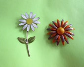 Vintage 1960's Groovy Mod 2 Metal Flower Pins Brooch Daisy Vintage Costume Jewelry Figural Pin 1960's Costume Flower Power Wedding Bouquet