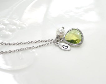 August birthstone necklace, Bridesmaids Gift, Personalized Necklace, Birthstone necklace, leaf initial, Peridot necklace