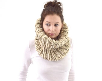 Chunky Cowl // The London // in Oatmeal