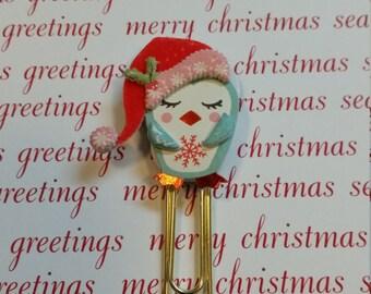 Penguin in Santa hat paper clip