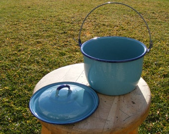 1950's Pot with lid, Enamel ware, turquoise blue