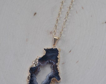Geode Necklace on Gold Filled Chain / Large Geode Necklace / Geode Slice / Geode Jewelry / Raw Geode / Geode Slice Pendant / Geode Necklace