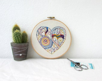 Doodle hand embroidery hoop art, textile art, modern heart embroidery hoop, wall hanging hoop art, hand dyed thread, handmade in the UK